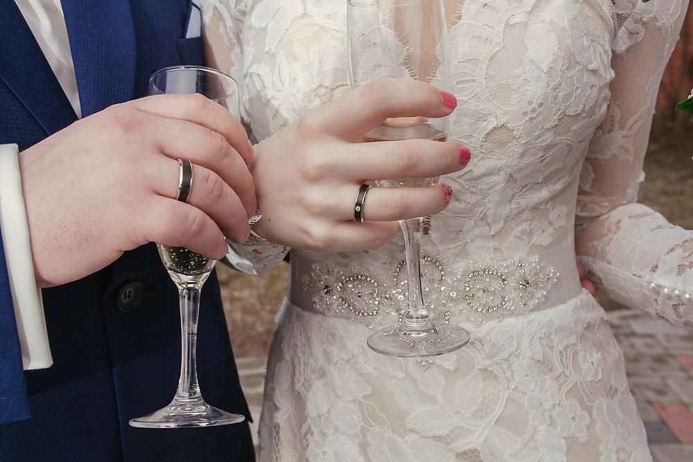 Individuāli veidoti laulību gredzeni. Juveliera roku darbs