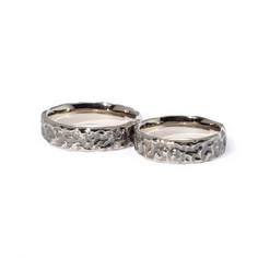 Baltā zelta laulību gredzeni ar tīrradņa efektu