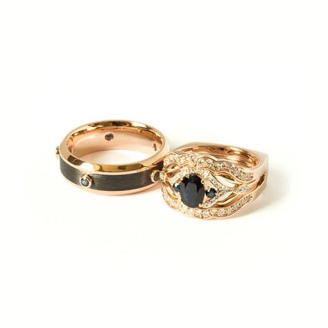 Gredzenu komplekts ar briljantiem, safīriem un karbonu vīra gredzenā