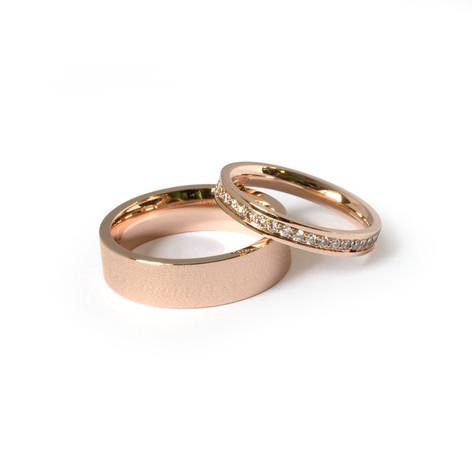 Klasiski laulību gredzeni, sievietes gredzens rotāts ar briljantu joslu