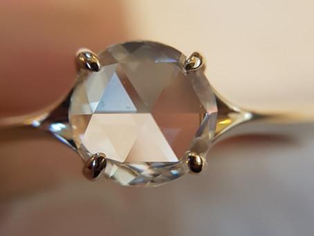 Dimantu slīpējumu veidi – rozes slīpējums jeb rose cut