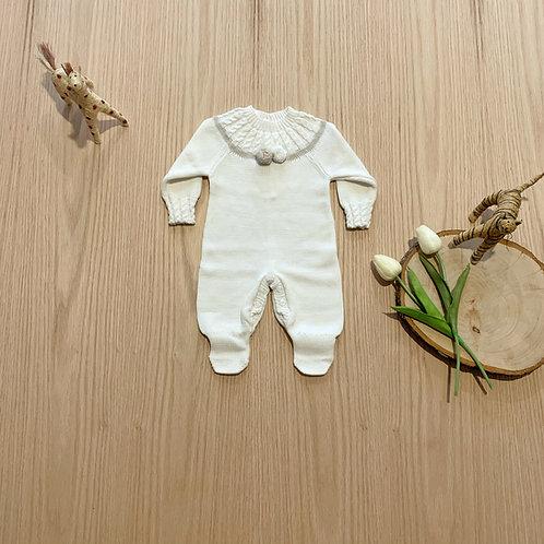 Mameluco para bebe detalle Pon Pon en color Crudo