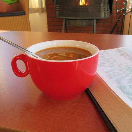Mac & Beef Tomato Soup