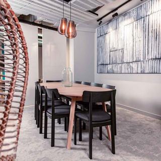 Creatif meeting table