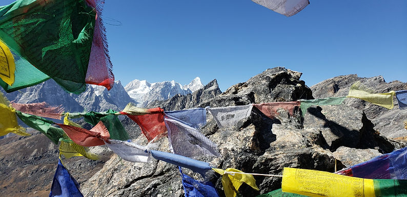 Everest_prayer_flags1.jpg