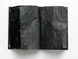 """La obra """"El libro oscuro"""" de Norberto Sayegh fue finalista en el concurso organizado por Christie's,"""