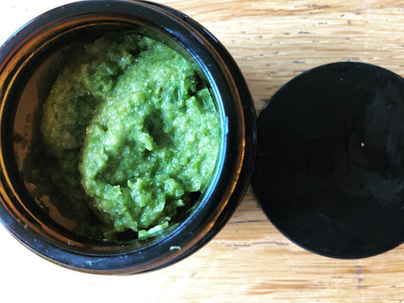 Moisturising sea kale and aloe face-mask