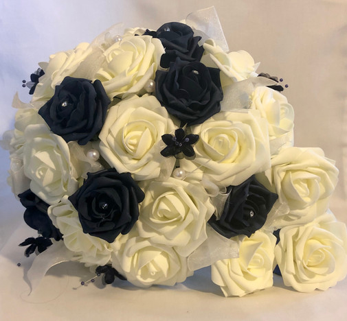 Navy and Ivory roses with navy accents.