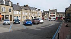si-le-parking-du-bourg-de-carrouges-rede
