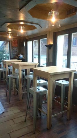 tables bar croquinioles.JPG