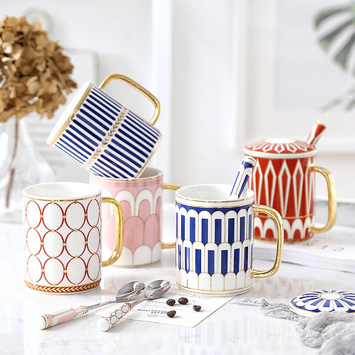 Pretty Fancy Gold Patterned Mugs with Lid and Spoon