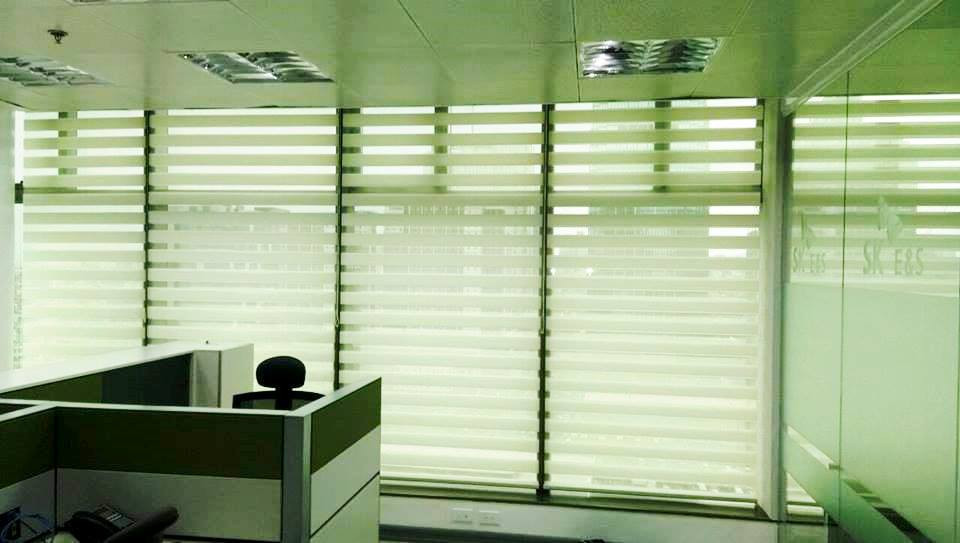 Horizontal Blinds - Office