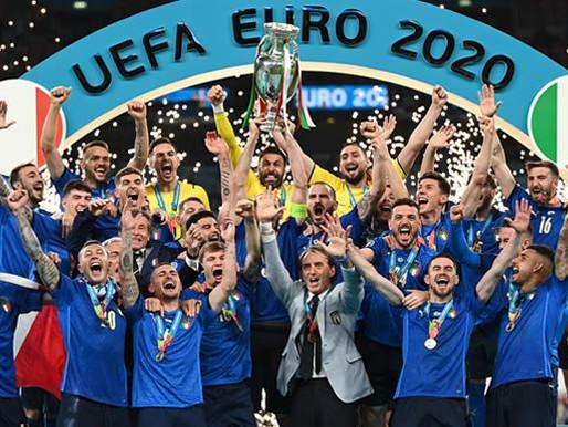 Jaunā Eiropas čempione futbolā - Itālija
