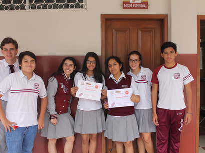Consejo Estudiantil premia a lo mejor del Concurso 'Be a Writer'