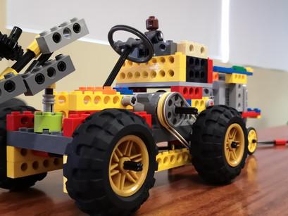 """Exposición de Robótica Javeriana: """"Bricks Challenge"""""""