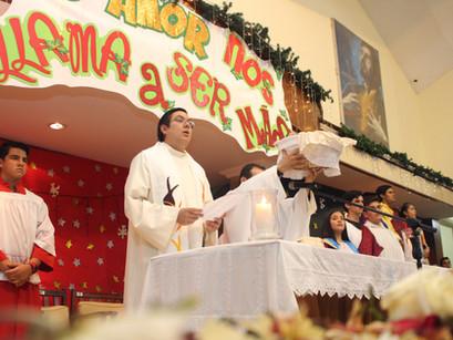 La esperanza, la paz y la gracia de Dios ha llegado a nosotros: Misa de Navidad 2019