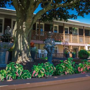 Motel Statues- 5965.jpg