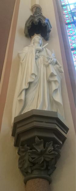 Statue i koret