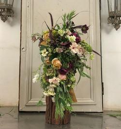 Cascading Bridal Bouquet! #thefloralacademy #flowerinstagram #floraldesign #flowerpassion #flowersin