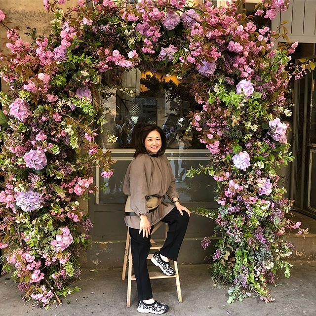 Flower arch! #thefloralacademy #flowerinstagram #floraldesign #flowerpassion #spirea #lavender #hydr