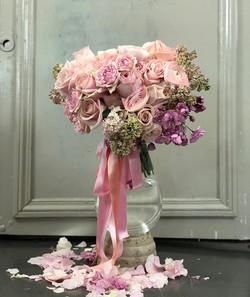 Bride's bouquet #thefloralacademy #flowerinstagram #floraldesign #flowerinspiration #springflowers #