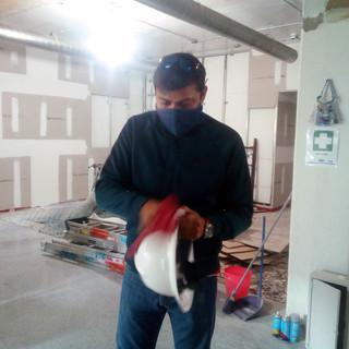 Limpieza constante de equipo de seguridad personal y herramienta.