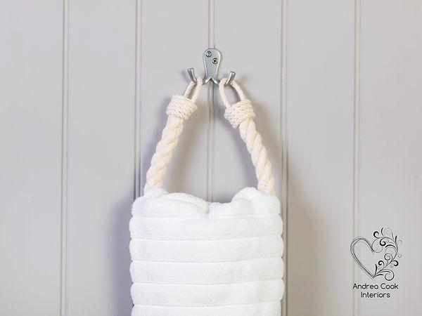 White Rope Chunky Hand Towel Holder