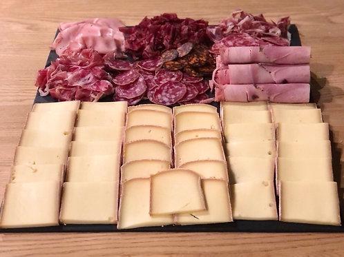 Raclette au lait Cru + pdt + charcuterie + cornichon 1pers