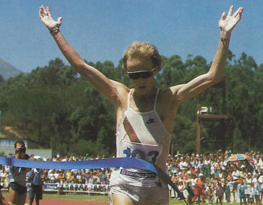 Bruce Fordyce wins 100 km ultra at world-record pace. 1989.