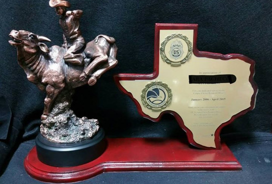 TX Map Plaque with mounted Bullrider
