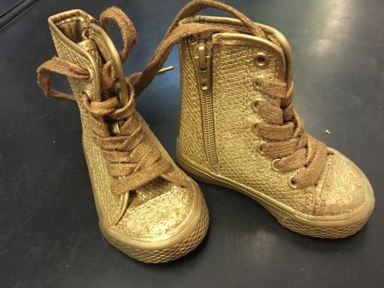 Can I kick it ... @wyattgallery