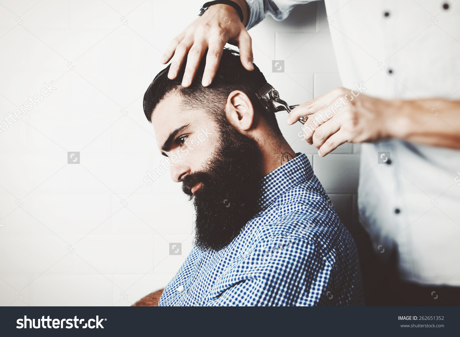 MEN HAIR CUTTING