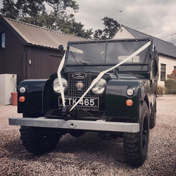 #cheshirewedding#shropshirewedding#weddingcar#weddingday#bestwedding#weddinginspiration#landrover l#