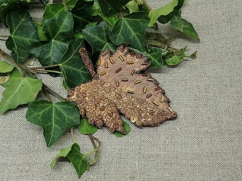 Broche feuille érable bronze
