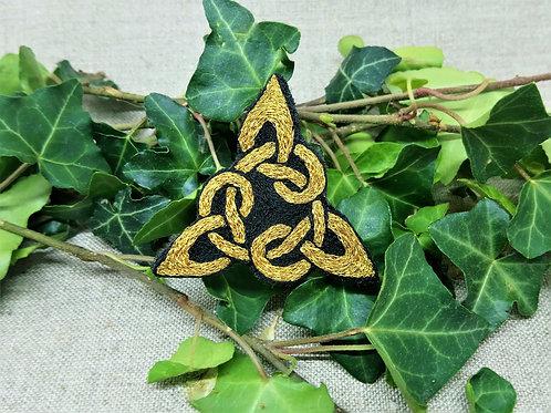 Triangle celtique doré