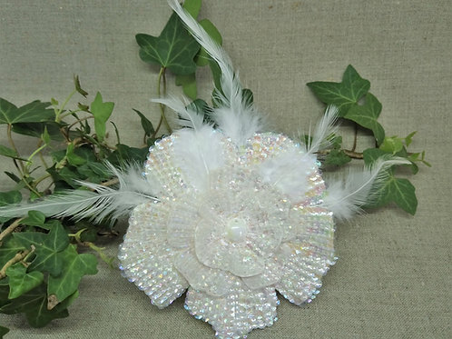 Bijou de tête fleur blanche de mariage