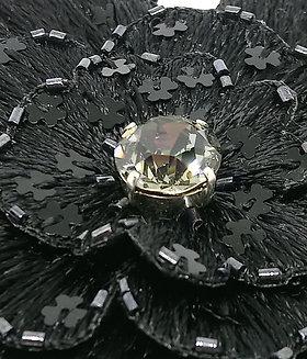 Bijou de tête fleur noire