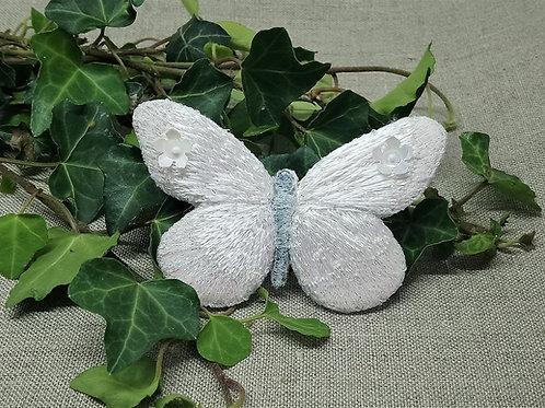 Papillon blanc bijou de cheveux