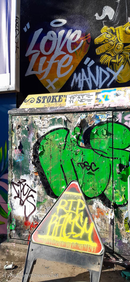 Street_Art_Signs_132.jpg