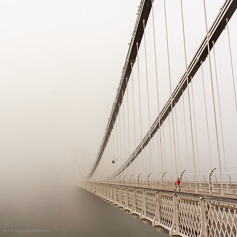 Bristol-Clifton-Suspension-bridge-fog-1.