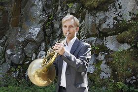 Niklas Sebastian Grenvik, horn