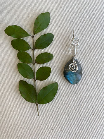 Labradorite with quartz jewel