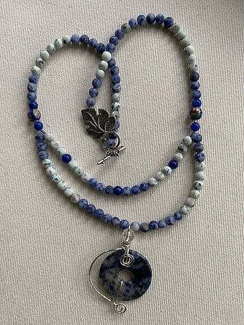 Double link-blue sea necklace -click to open