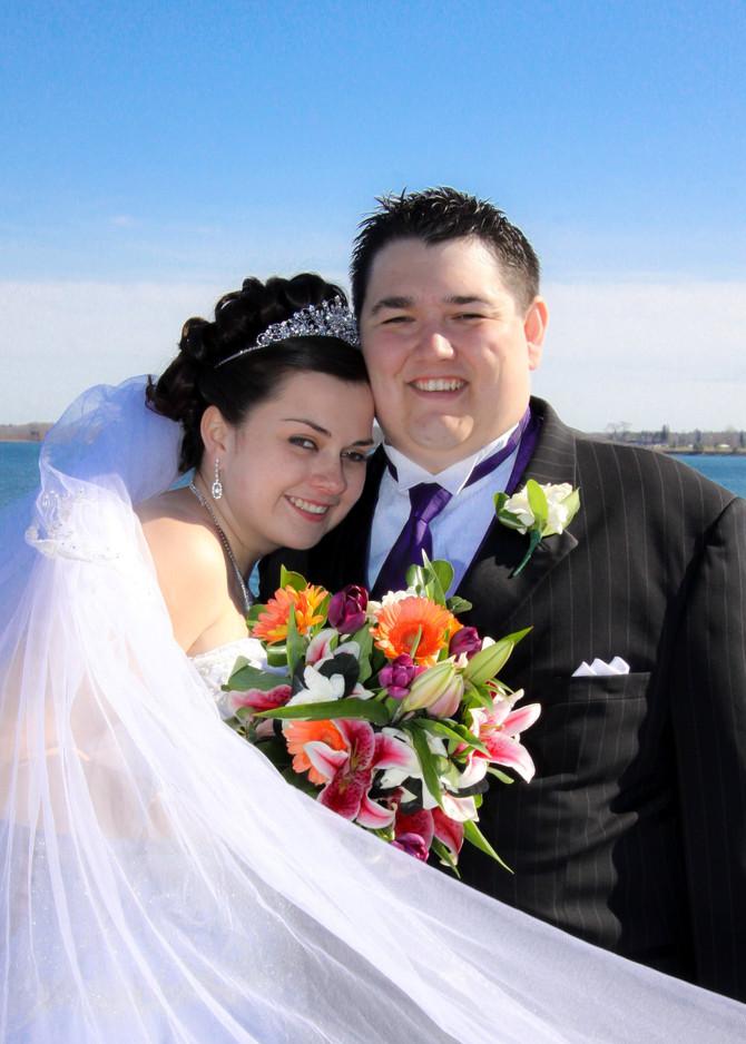 Bobbi-Sue & Jon's Spring Wedding Day Draped in Sunshine