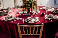 Rudos Chiavari Antique kėdės