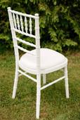 Baltos Chiavari kėdės