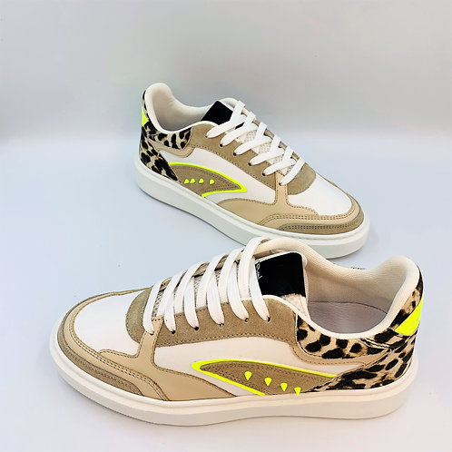 Fashion Sneaker | Leo & neon Spikes