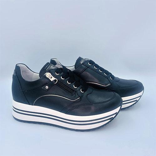 Fashion Plateau Sneaker | black