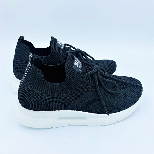 Vegan Sneaker | all black