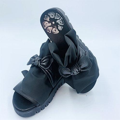 Pantolette | metallic black